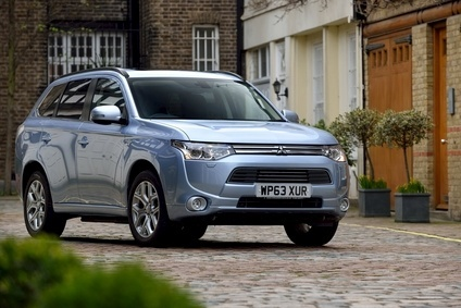 Mitsubishis popular Outlander PHEV has an official EU CO2 output of 44g/km so this hybrid would qualify for proposed German incentives for EVs