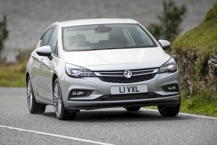 Astra suspension settings for the UK were honed on North Wales roads where, no surprise, the local media launch was held. The new cars corner more precisely and flatter than their predecessors but still ride well