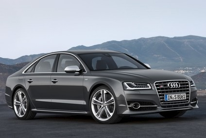 382kW/520PS 4.0-litre turbo V8 accelerates the S8 from 0 to 100 km/h (62.1 mph) in 4.1 seconds