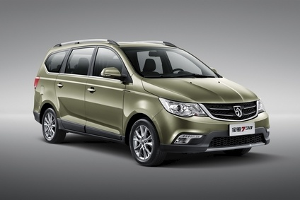 SAIC GM Wuling's 7-seat Baojun 730: one of the big hits of '15