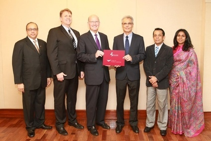 Brandix CEO Ashroff Omar (3rd from right) and CCL president & CEO John Ryan exchange the agreement in Colombo in the presence of (from left): CCL's regional director, leadership solutions Yoosuf Moiz; vice president – APAC and managing director, CCL Asia, Roland Smith; Brandix chief people officer Ishan Dantanarayana; and manager – group capability Nilangani De Silva
