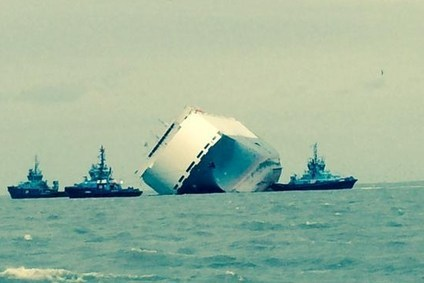 UK: Hoegh Osaka salvers headache as 3,000t water pours in