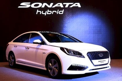 Redesigned Sonata hybrid has unique styling; PHEV variant and a dedicated Hyundai hybrid-only model are coming in 2015