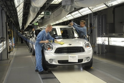 A Mini Countryman gets final checks at Magna Steyr in Graz