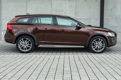 VEHICLE ANALYSIS: MY2016 Volvo S60 & V60 Cross Country | Automotive Industry Analysis | just-auto