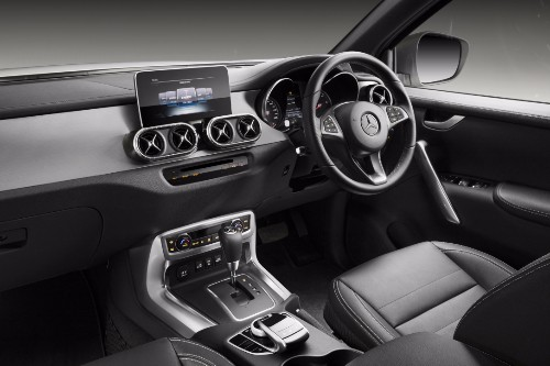 As with Renault built, Kangoo-based Citan small van, Daimler has developed its own cockpit for the X-class