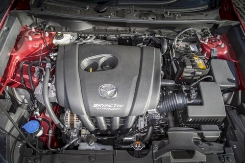 Meaty two-litre petrol engine gives CX-3 bragging rights in a B-SUV segment where 1.4s and 1.6s are common. Diesel is the new 1.5 launched with the 2