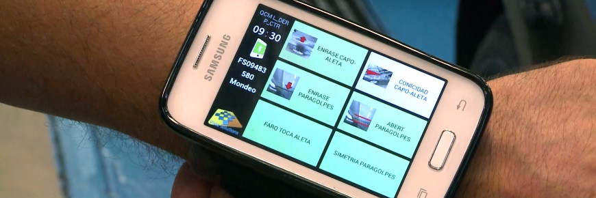 Wrist smartphone speeds Ford quality checks